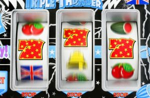 How to play online pokies for free?